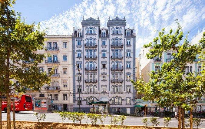 Voorkant hotel Expo Astoria in Lissabon
