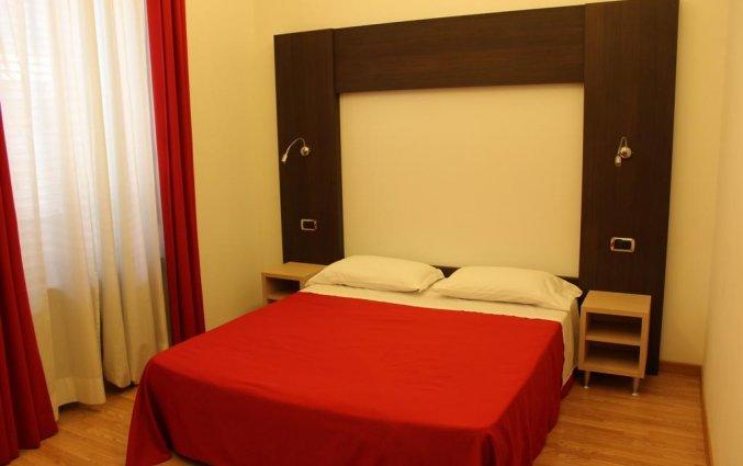 Tweepersoonskamer met tweepersoonsbed van Hotel Louisiana in Rome