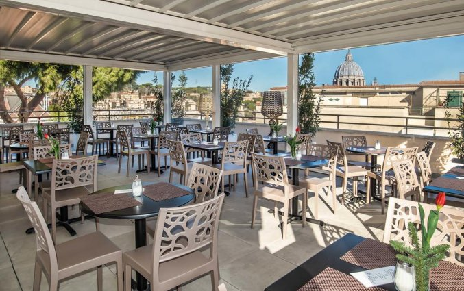 Terras van Fragrance Hotel St. Peter in Rome
