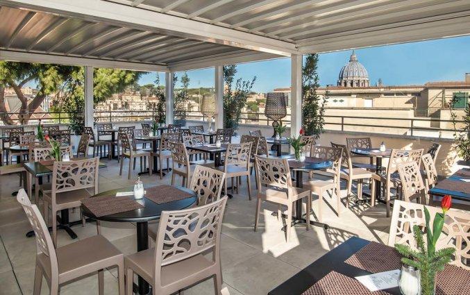 Terras van Fragrance Hotel St. Peter in Rome