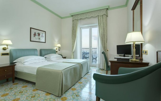 Tweepersoonskamer van Hotel Lloyd's Baia in Amalfi