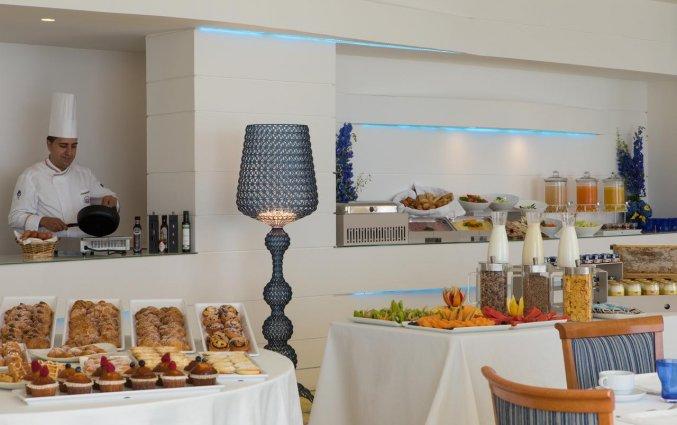 Ontbijtzaal van Hotel Lloyd's Baia in Amalfi