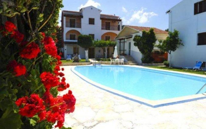 Zwembad van Irene Apartments op Corfu