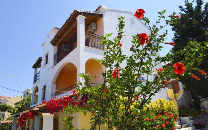 Buitenkant van Irene Apartments op Corfu