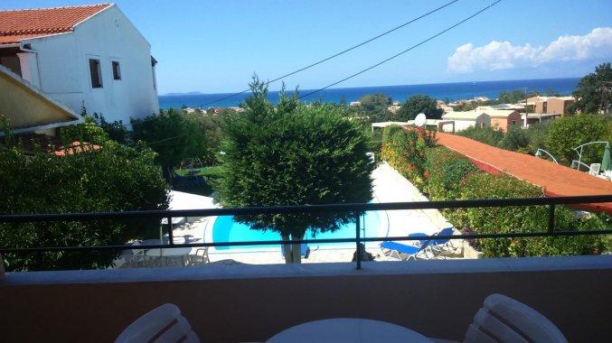 Uitzicht vanaf het balkon Irene apartments vakantie Corfu