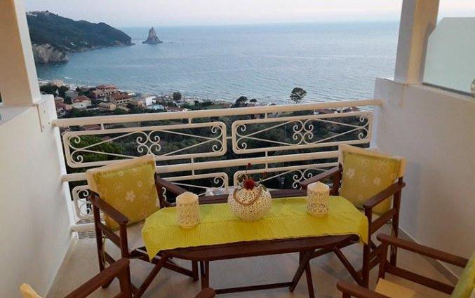 Balkon van Appartementen Mazis op Corfu