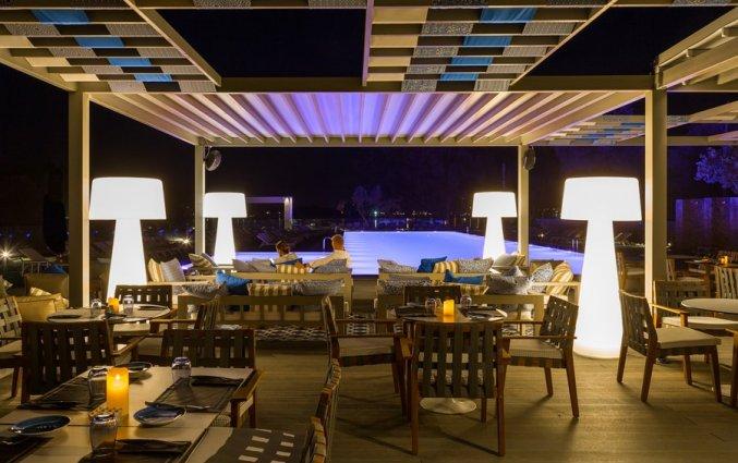 Terras van Hotel Rodostamo op Corfu