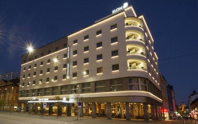 Voorkant van hotel Best Western Premier Slon in Ljubljana