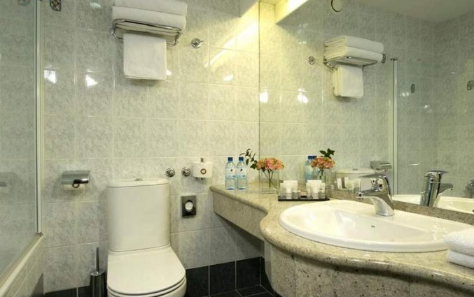 Badkamer van een tweepersoonskamer hotel Best Western Premier Slon in Ljubljana