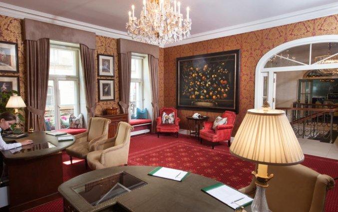 Receptie van Grand Palace Hotel