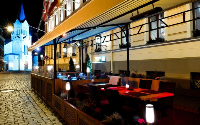Buitenterras van hotel Grand Palace stedentrip Riga