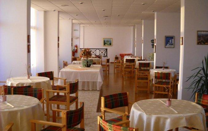 Ontbijtzaal hotel Telhinis op Rhodos
