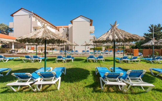 Terras bij Hotel Sunday Rhodos