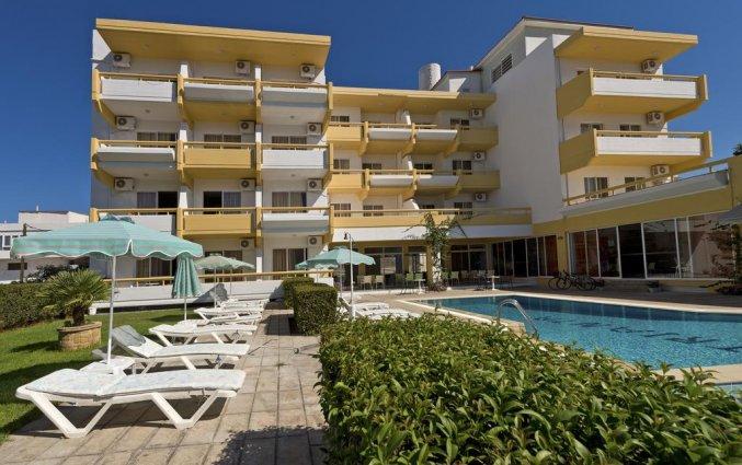 Zwembad van Hotel Apartments Trianta Rhodos