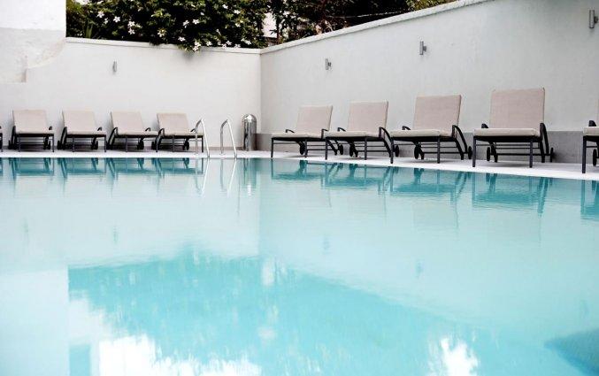 Zwembad Hotel Angela + Suites Lobby