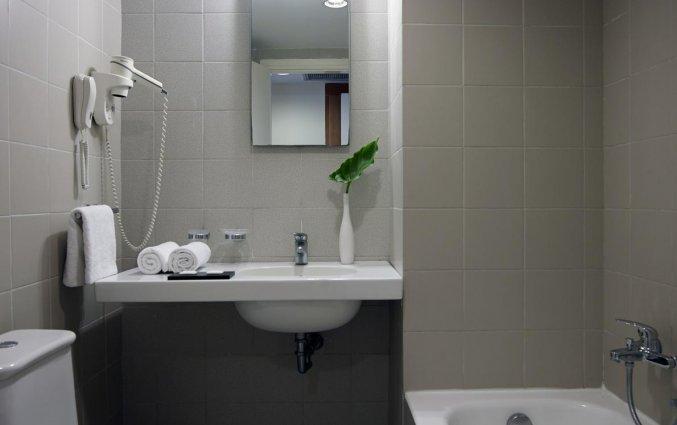 Badkamer Hotel Angela + Suites Lobby