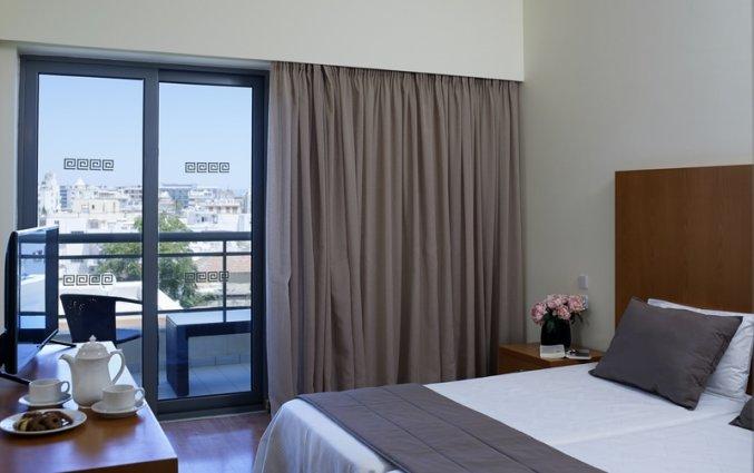Standaard kamer met tweepersoonsbed van Angela Suites vakantie Rhodos