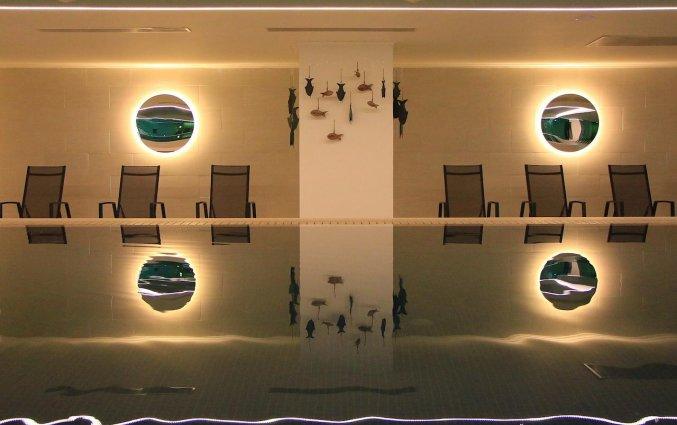 Binnenzwembad van hotel Electra Palace Rhodos