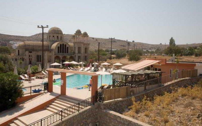 Buitenzwembad van Appartementen Lindos Portes op Rhodos