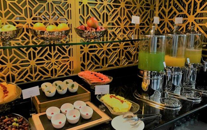 Ontbijtbuffet van hotel Gevora in Dubai