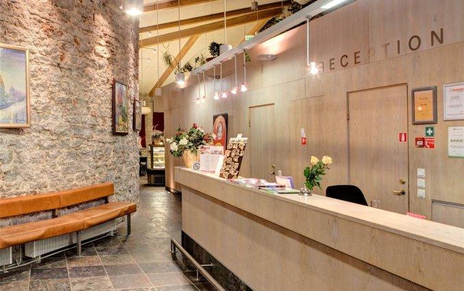 Receptie van hotel Rija Old Town stedentrip Tallinn