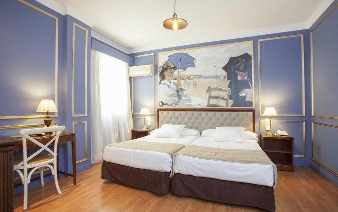 Tweepersoonskamer met twee aparte bedden van hotel Casual Valencia de las Artes stedentrip Valencia