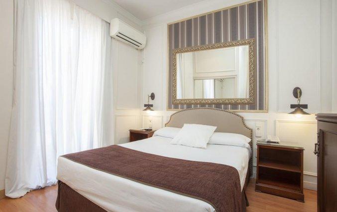 Tweepersoonskamer met tweepersoonsbed van hotel Casual Valencia de las Artes stedentrip Valencia