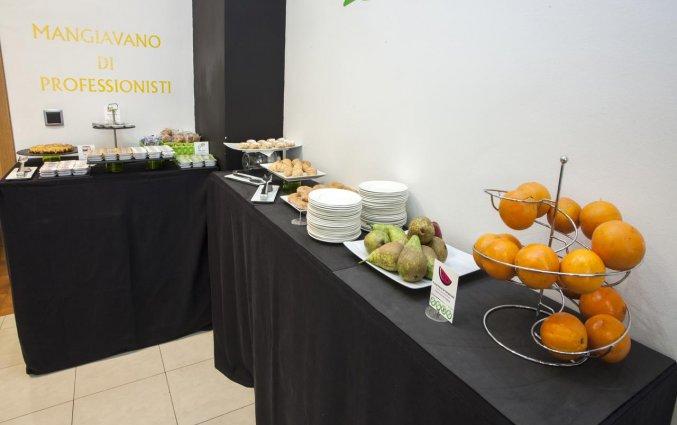 Ontbijtbuffet van hotel Casual Valencia del Cine stedentrip Valencia