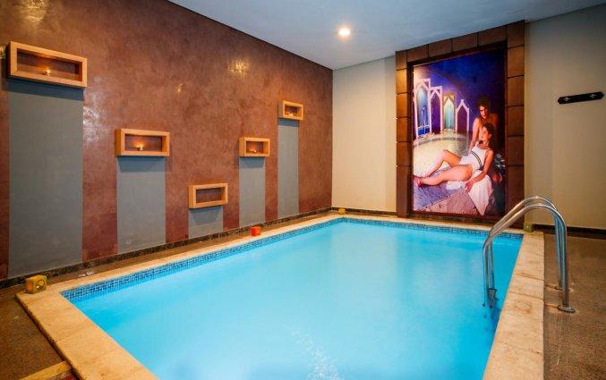 Binnenzwembad van Hotel Aqua Fun Club Marrakech in Marrakech