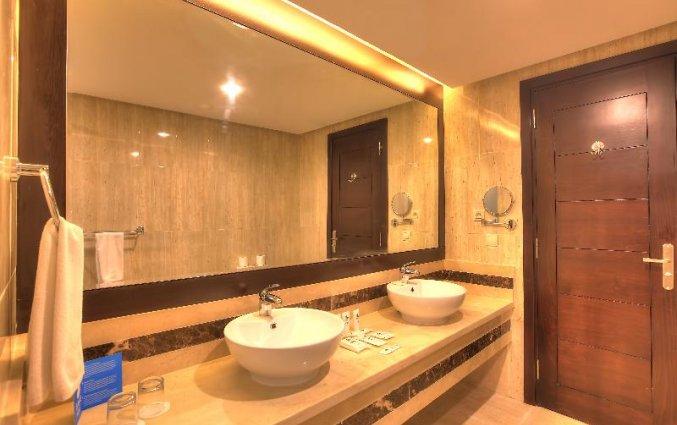 Badkamer van een tweepersoonskamer van Hotel Aqua Fun Club Marrakech in Marrakech