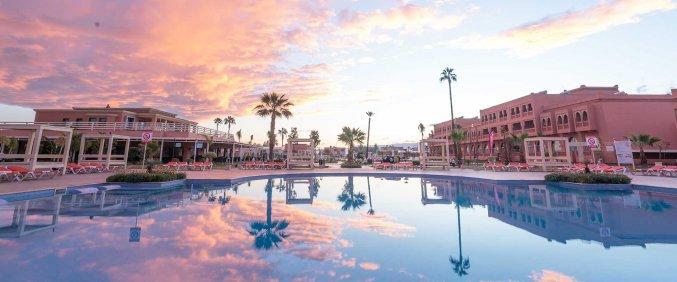 Zwembad van Hotel Aqua Fun Club Marrakech in Marrakech