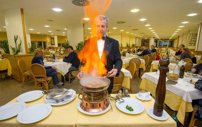 Restaurant van hotel Ecoresort Le Sirene Puglia