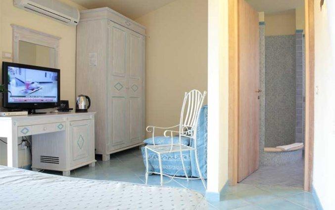 Bed in standaard kamer van hotel Speraesole fly & drive Sardinië