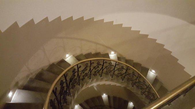 Trappenhuis van appartementen Happy Tower Krakow in Krakau
