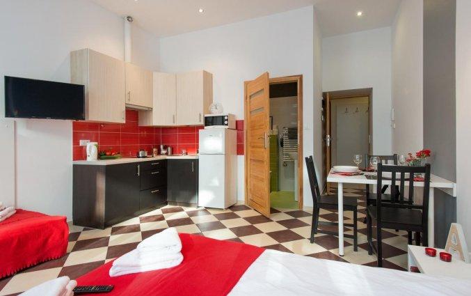 Keuken van een appartement van appartementen Happy Tower Krakow in Krakau