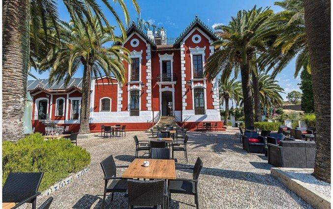 Gebouw van Hotel Abetos del Maestre Escuela in Andalusie