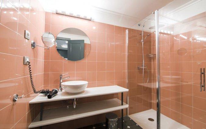Badkamer van een tweepersoonskamer van Hotel Petit Palace Puerta de Triana in Sevilla