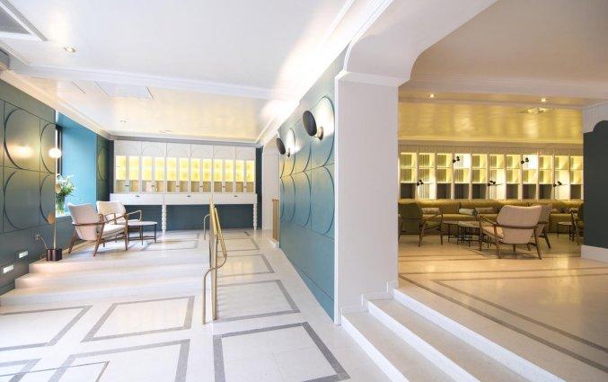 Entree en restaurant van Hotel Petit Palace Puerta de Triana in Sevilla