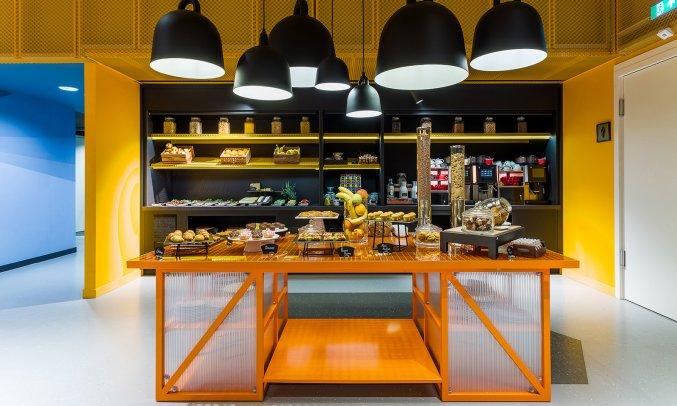 Ontbijtbuffet van Hotel Room Mate Bruno Rotterdam