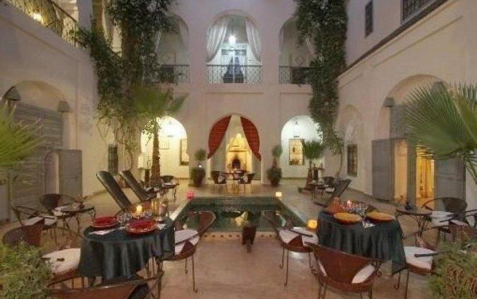 Het terras van het restaurant van Riad dar Bounouar Marrakech