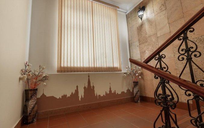 Trappenhuis van Hotel Key Element in Moskou