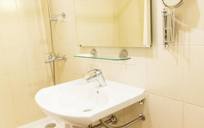 Badkamer van een tweepersoonskamer van Hotel Maxima Panorama in Moskou