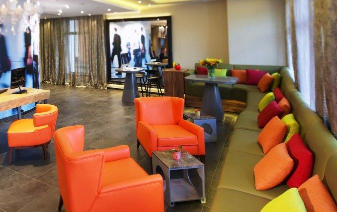 Zithoek in lobby van Mercure Moscow Baumanskaya in Moskou