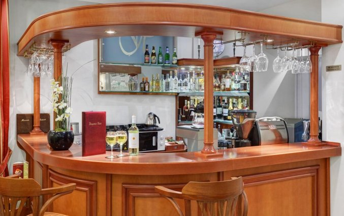 Bar van Hotel Assambleya Nikitskaya in Moskou