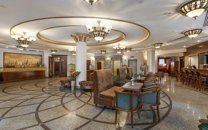 Lobby van Hotel Garden Ring in Moskou