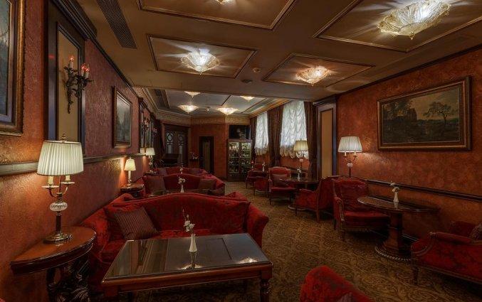 Bar van Hotel Garden Ring in Moskou