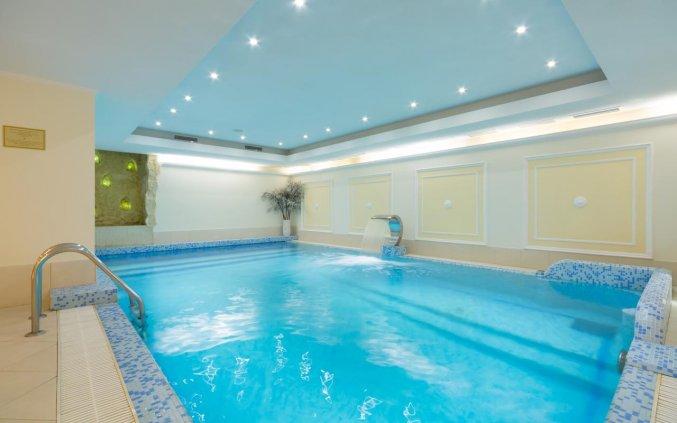 Binnenzwembad van Hotel Garden Ring in Moskou