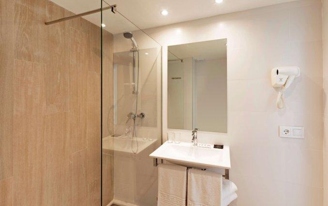 Badkamer van appartement van Hotel HSM Calas Park op Mallorca