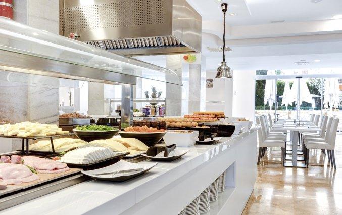 Het ontbijtbuffet van Hotel AluaSun Continental Park Mallorca