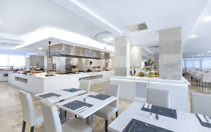 Het buffetrestaurant van Hotel AluaSun Continental Park Mallorca